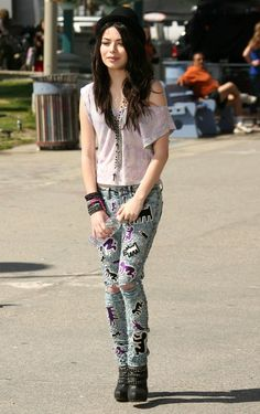 miranda cosgrove dressses hgh heels | Dear Beautiful ...: April 2012
