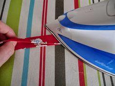 TresP craft blog: TUTORIAL CHUPETERO Y BOLSITO PARA CHUPETES Plastic Cutting Board, Blog, Ideas, Home, Handmade Baby Clothes, Pacifiers, Tea Pots, Tutorials, Costura