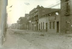 Las calles del Centro Historico totalmente desoladas y en mal estado despues de la decena tragica