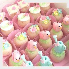 Mini Cakes, Cupcake Cakes, Cupcakes, Garden Party Cakes, Alice, Fondant Wedding Cakes, Baby Birthday Cakes, Fondant Toppers, Fondant Tutorial