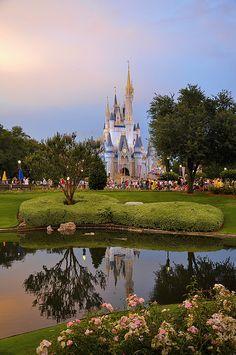 Walt Disney World - Cinderella Castel Disney Vacations, Disney Trips, Disney Parks, Dream Vacations, Disney Dream, Disney Love, Disney Magic, Disney 2017, Disney Disney