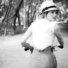I think black and white photography is so captivating. It is classic and is able to tell a story by focusing more on emotions than c. Retro Mode, Mode Vintage, Retro Vintage, Vintage Biker, Anjou Velo Vintage, Cycle Chic, Looks Street Style, Bicycle Girl, Bicycle Race