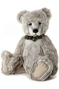 Blaine collectable teddy bear by Charlie Bears designed by Isabelle Lee Mini Teddy Bears, Teddy Bear Pictures, Charlie Bears, Bear Design, Toy Craft, Bear Toy, Pet Toys, Cuddling, Plush