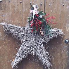 La Noyere Xmas market rustic wreath. #christmas #igerschristmas #creativelivinggeneva #igersvaud #markets Christmas Wreaths, Holiday Decor, Instagram Posts, Blog, Home Decor, Decoration Home, Room Decor, Blogging, Home Interior Design