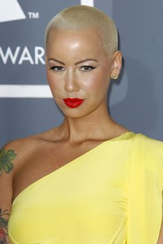 Cat Eye and Red Lip Tone     Amber Rose Makeup