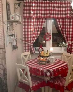 Christmas Kitchen  ,, Najważniejsze jest, by gdzieś istniało to czym się żyło: i zwyczaje, i święta rodzinne i dom pełen wspomnień. Najważniejsze jest ...by żyć dla powrotu Antoine de Saint-Exupery . Spokojnego wieczoru  #kitchenchristmas #xmas #decoration #interior #interiordesign #dekoracjeswiateczne #dodatki #dekoracje #desinger #kratka #czerwony #kuchnia #cuisine #kitchen #decohome #decor #wnetrze #christmas #homebook #homebookpl #christmaskitchen