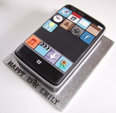 iPod Cakes Teen Birthday Cake Ideas - Photo from novelty_cakes on flickr.