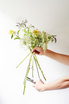 Easy flower arranging tips for the perfect DIY wedding bouquet