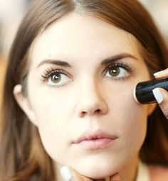 16 truques de maquiagem (makeup tricks for looking)