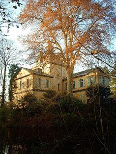 Stay a Night in Eller Castle in Dusseldorf, Germany