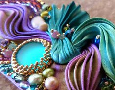 de Cor's Handmades - Malaysia Handmade Jewelry: Step By Step Shibori Cuff Tutorial by Serena Di Mercione Jewelry Ribbon Embroidery Tutorial, Diy Bead Embroidery, Fabric Flower Tutorial, Silk Ribbon Embroidery, Embroidery Kits, Advanced Embroidery, Pearl Embroidery, Embroidery Stitches, Ribbon Jewelry