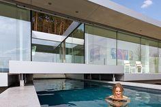 Villa K en Alemania - Parte del patio puede ser removido al usar la alberca.   Galería de fotos 7 de 13   AD MX