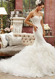Mermaid/Trumpet Tulle,Lace Sweetheart Natural Waist Chapel Train Wedding Dress picture 1