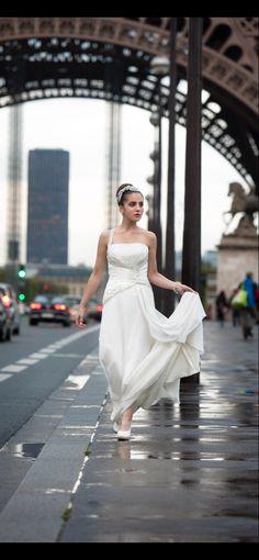 Salg 10-70 % på brud og Selskap i fra 17-30 April du booker gratis prøvetime på www.snefridshus.no White Dress, Formal Dresses, Chic, Style, Fashion, Dresses For Formal, Shabby Chic, Swag, Moda