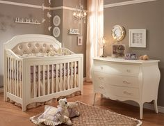 Tulip Natart Allegra Convertible Crib,  pretty sure this is the set for our Naya !!