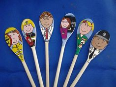 Story spoons - people who help us Nursery Activities, Activities For 2 Year Olds, Teaching Activities, Creative Activities, Teaching Ideas, Community Jobs, Community Helpers, Painted Spoons, Wooden Spoons