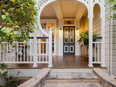 20 Ford Street, Clayfield, Qld View property details and sold price of 20 Ford Street & other properties in Clayfield, Qld Queenslander House, Weatherboard House, Leadlight Windows, Timber Staircase, Edwardian House, Level Homes, Decks And Porches, Australian Homes, Reno