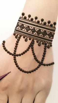 Henna Designs For Kids, Cute Henna Designs, Mehndi Designs Front Hand, Mehandhi Designs, Latest Henna Designs, Henna Tattoo Designs Simple, Mehndi Designs Feet, Mehndi Designs Book, Mehndi Designs For Beginners