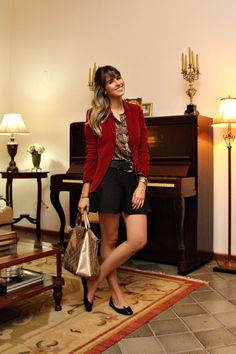 look do dia, blog de moda de ribeirão preto, blazer veludo bordô, saia godê, camisa snake print, sapatilha preta arezzo, details, piano, abajur,sal (2)