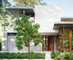 Contemporary Exterior by Mike Witt and Steven Ehrlich Architects in Palo Alto, California
