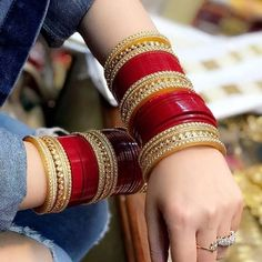 Drop a ❤ . by Chura ❤ Silk Bangles, Bridal Bangles, Bridal Jewelry Sets, Indian Bangles, Pakistani Wedding Outfits, Indian Bridal Outfits, Indian Bridal Fashion, Wedding Chura, Gift Wedding