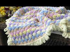 Finger Knitting Blankets, Hand Knit Blanket, Blanket Yarn, Arm Knitting, Baby Blanket Crochet, Crochet Baby, No Sew Blankets, Knitted Baby Blankets, Lace Knitting Patterns