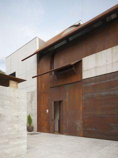 olson kundig steel modern house facade