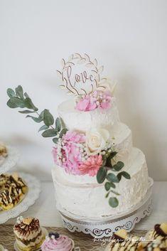 Times New Roman, Cake, Desserts, Food, Wedding Cakes, Tailgate Desserts, Deserts, Kuchen, Essen