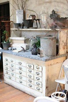 gartenschrank weiß vintage schubladen