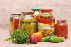 Quieres saber cómo hacer conservas caseras de frutas y alimentos con seguridad. Te informamos sobre los métodos más adecuados para prepararlas