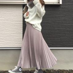 トップス/神戸レタス アウター/UNIQLO スカート/dolce スニーカー/コンバース バッグ/SOLI ティペット/プレシャスストーンジュエリー