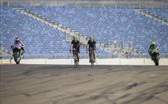 El ganador de la Vuelta a España, el colombiano Nairo Quintana, y su compañero…