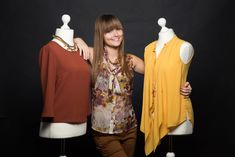 Lisa, die Gründerin von Second Life Fashion Second Hand Shop, Second Hand Mode, Second Hand Clothes, Second Life, Second Hand Fashion, Two Hands, Lisa, Fashion Outfits, Shopping