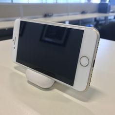 hidden Apple trick could be the best iPhone hack ever - Come check out our luxury phone cases. Different styles for every type of personality! Iphone Hacks, Vintage Hipster, Phone Stickers, Healthy Shopping, Airpod Case, Diy Videos, Hacks Videos, Best Iphone, Phone Photography