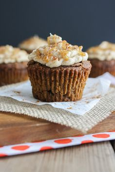 Pure sweet decadent pumpkin cupcakes without processed ingredients is possible. Moist, fluffy and delicious all without gluten, oil and refined sugar!