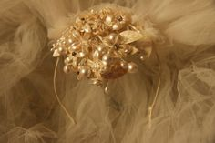 Antique vintage 1920s 1930s wedding cap wax flower silk tulle pearl trimmed lace lovely age patina bride veil topper