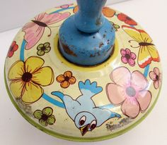 Vintage 1960's Tin Lithograph Spinning Top Toy-worth 10.00 paid 1.00