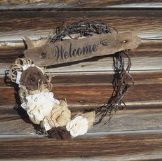 Barb Wire Wreath / Barb Wire and Burlap Welcome Wreath only like the welcome sign itself Barbed Wire Wreath, Barbed Wire Art, Western Wreaths, Country Wreaths, Rustic Wreaths, Barb Wire Crafts, Burlap Crafts, Western Crafts, Country Crafts