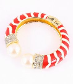 Fold-Over Metal Bracelet with Red&White color with Imitation Pearl and Gold tone / AZBRFL006-PRW Arras Creations http://www.amazon.com/dp/B00BKPO6MW/ref=cm_sw_r_pi_dp_kd7yub138KM00