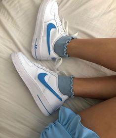 Cute Nike Shoes, Cute Nikes, Nike Air Shoes, Sneakers Mode, Nike Sneakers, Sneakers Fashion, Fashion Shoes, Jordan Shoes Girls, Girls Shoes