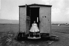 Nikos Economopoulos: un fotógrafo de Magnum Photos Modern Photography, Photography Projects, Black And White Photography, Street Photography, Photography Composition, Minimalist Photography, Color Photography, Photography Tutorials, Portrait Photography