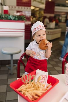 Let them eat cake. But if they don't want to, try a burger smash instead. This is the theory behind my son's first-birthday In-N-Out Burger (and fries) s… Maternity Pictures, Baby Pictures, Baby Photos, Family Photos, Burger Party, Burger And Fries, Baby Center, Creative Photos, Cake Smash
