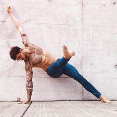 Yoga poses that men should master, from forward fold and downward dog to hero pose. best men's yoga poses you can lear… Iyengar Yoga, Yoga Pilates, Ashtanga Yoga, Kundalini Yoga, Pilates Reformer, Vinyasa Yoga, Yoga Poses For Men, Yoga For Men, Yoga Routine