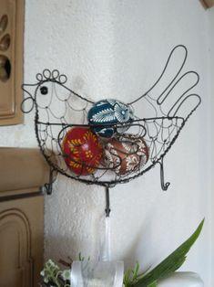 slípka věšáková / Zboží prodejce Metudka | Fler.cz Art Lessons For Kids, Art For Kids, Wire Letters, Bird Cages, Wire Crafts, Recycled Art, Wire Art, Metal Jewelry, Wind Chimes