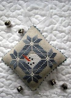 snowman's quaker christmas from Midnight Stitching (freebie) #cross-stitch