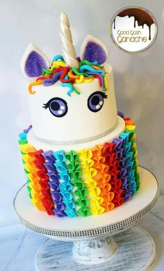 Endless cake decorating inspiration - wedding cakes, birthday cakes for boys and girls, cookies, cupcakes and more. Pretty Cakes, Beautiful Cakes, Amazing Cakes, Cupcakes, Cupcake Cakes, Little Pony Cake, Bolo Cake, Rainbow Birthday, Rainbow Cakes
