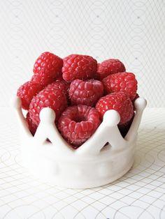 raspberry red black fruit chocolate flavors unique wedding bridal shower favors baby shower favor