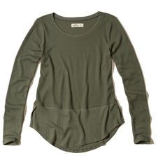 Hollister Mixed Waffle Easy T-Shirt ($20) ❤ liked on Polyvore featuring tops, t-shirts, olive, army green t shirt, crew t shirts, crewneck tee, long sleeve crew neck tee and military green t shirt
