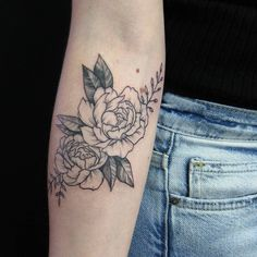 "10 Likes, 1 Comments - E.K. (@ek.tattoos) on Instagram: ""cover-up peonies on Olivia. loved working on this, thank you! . #teamgoldeniron #torontotattoo…"""