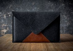 Hey, I found this really awesome Etsy listing at https://www.etsy.com/es/listing/169193172/macbook-13-air-case-briefcase-italian